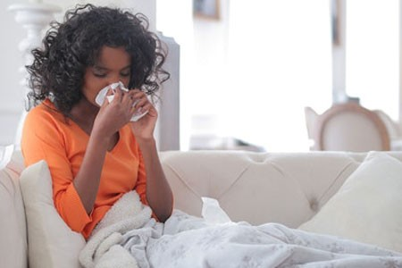 Histamine response includes runny nose and sneezing.